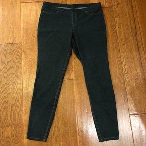 """NWOT Hue dark wash knit """"denim"""" leggings."""